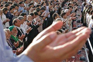نمازگزاران عید سعید فطر تحت پوشش بیمه آسیا
