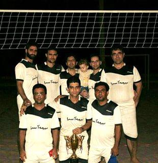 قهرمانی بیمهآسیا در مسابقات والیبال ساحلی استان هرمزگان