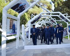 بازدید مدیرعامل بیمه آسیا از نمایشگاه هنر تدبیر